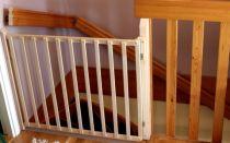 Устанавливаем защиту от детей на лестницу