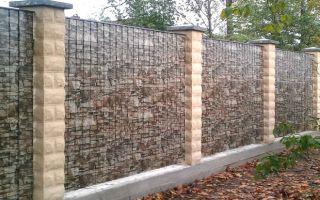 Забор из металлопрофиля под камень